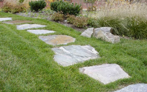 Field Stone step stones in lawn 2017